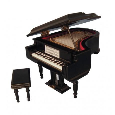 Černý Grand klavír