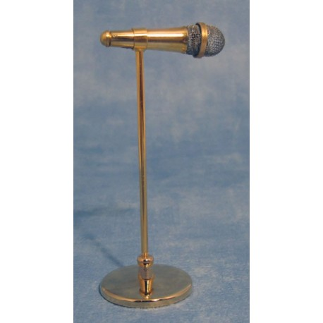 Microfon na stojanu