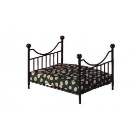 Černá kovová postel