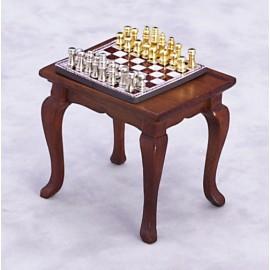 Šachový stolek s figurkami, ořech