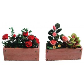 Truhlík s květinami, různé růže