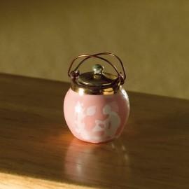 Růžová nádoba s víčkem