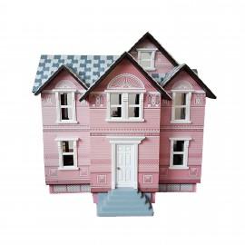 Růžový koloniální domeček s vybavením
