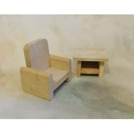 Dřevěné křeslo a stolek do dětského domečku