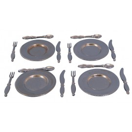 Příbory a talíře, set 4